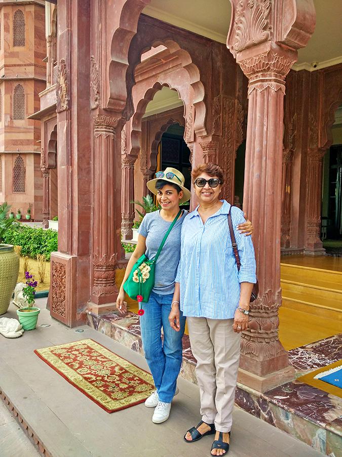 Narendra Bhawan | Akanksha Redhu | mom sis entrance
